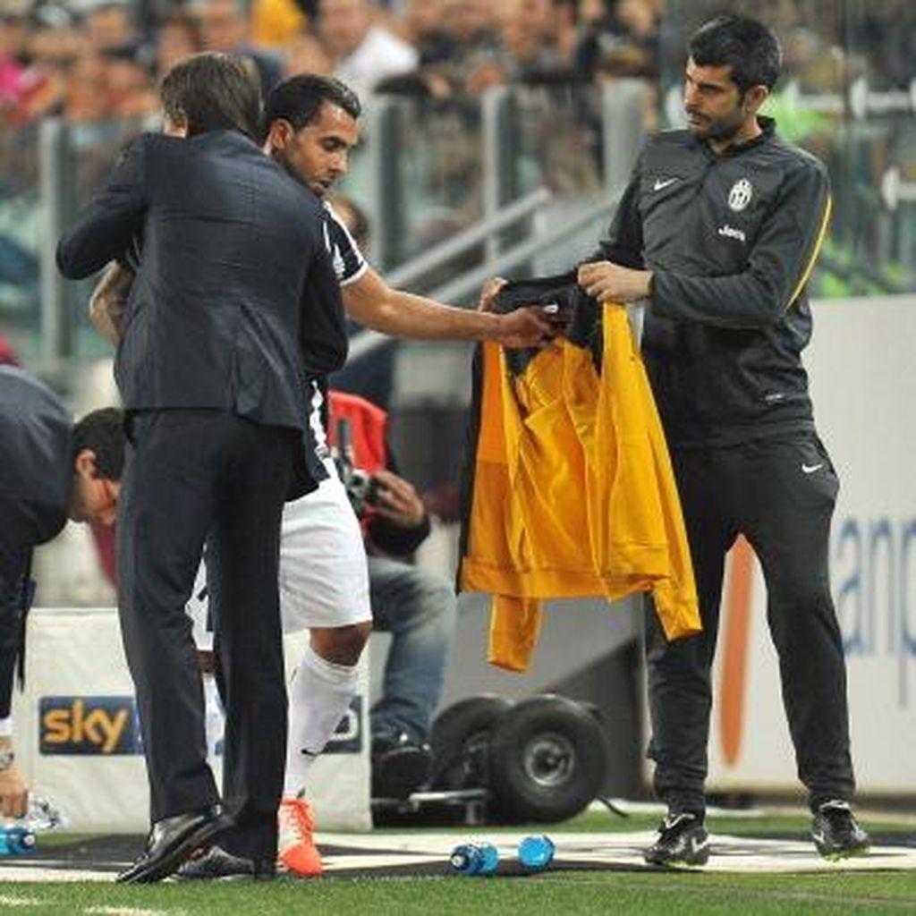 Tevez Akui Ditelepon Langsung Conte untuk Gabung Chelsea