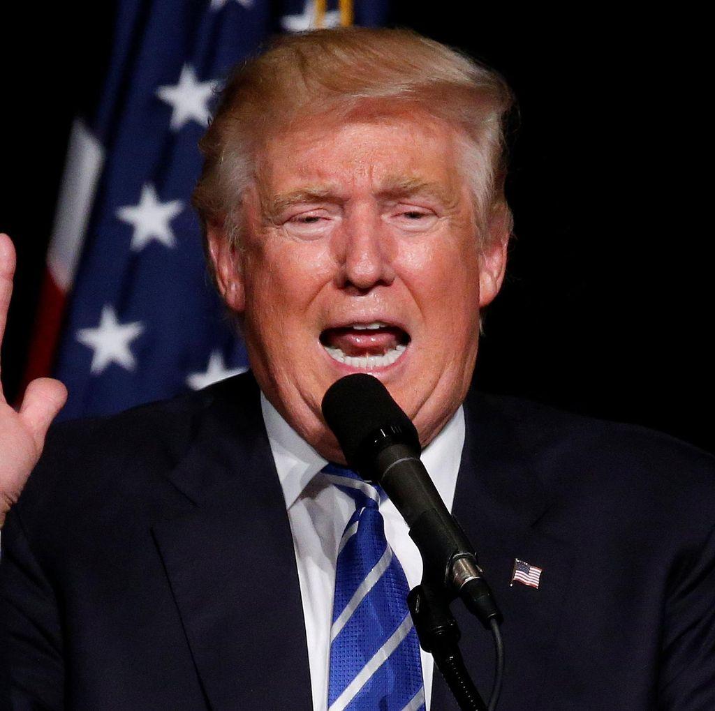 Donald Trump Ingin Pukul Pembicara Partai Demokrat yang Mengkritiknya
