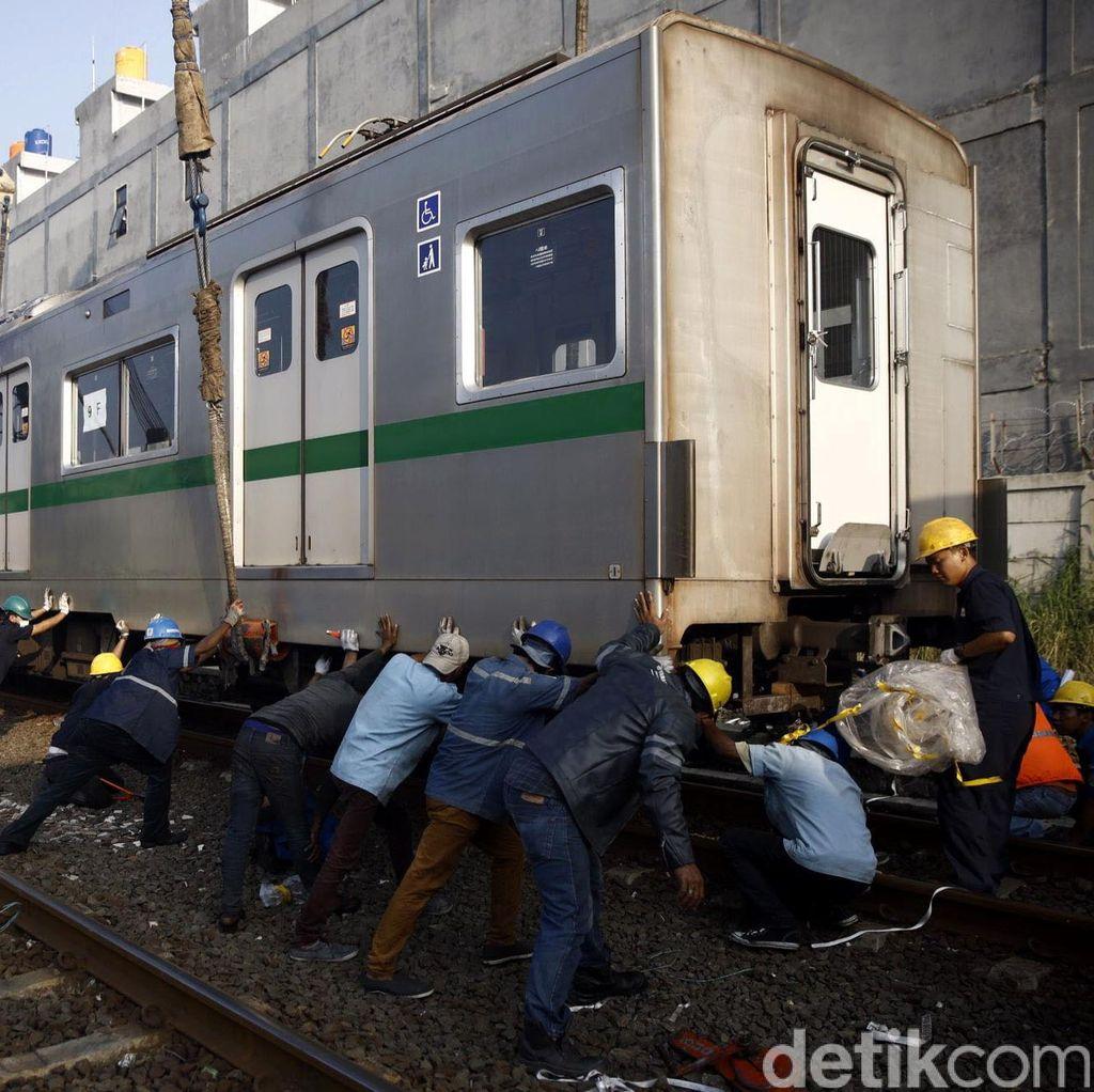 PT KCJ Datangkan 30 Gerbong KRL Hemat Listrik dari Jepang