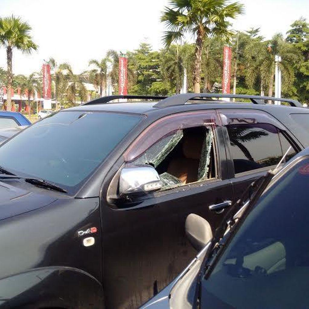 Kaca Mobil Nasabah Dibobol di Parkiran Bank di Tangsel, Rp 128 Juta Raib