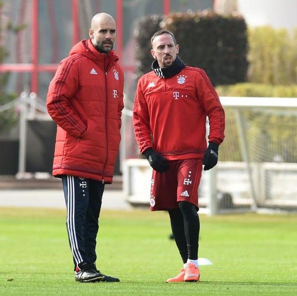 Bos Bayern Tak Terkesan dengan Cibiran Ribery pada Guardiola