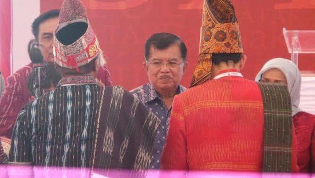 Wapres JK Hadiri Musyawarah Masyarakat Adat Batak di Danau Toba