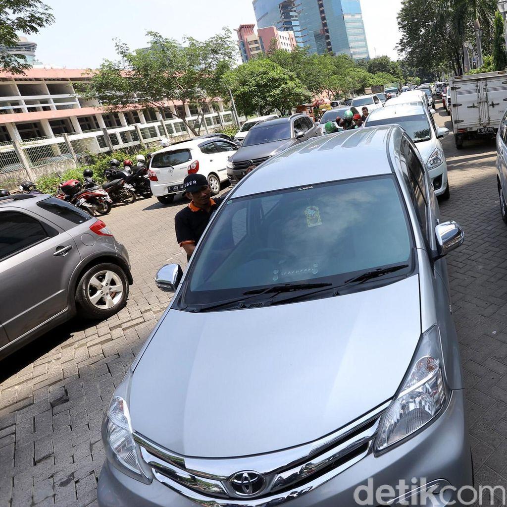 Kemenhub: Aturan Taksi Online Bermanfaat Bagi Pengemudi dan Penumpang