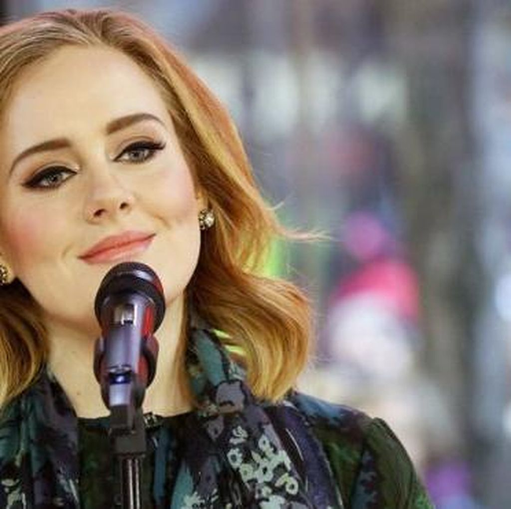 Adele Dedikasikan Konser untuk Cerainya Brad Pitt dan Angelina Jolie