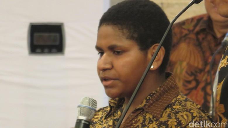 Nita Si Jago Matematika Asal Nduga Papua 'Presentasi' Metode Belajar ke Jokowi