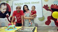 Rafathar Rayakan Ultah dengan Anak Yatim