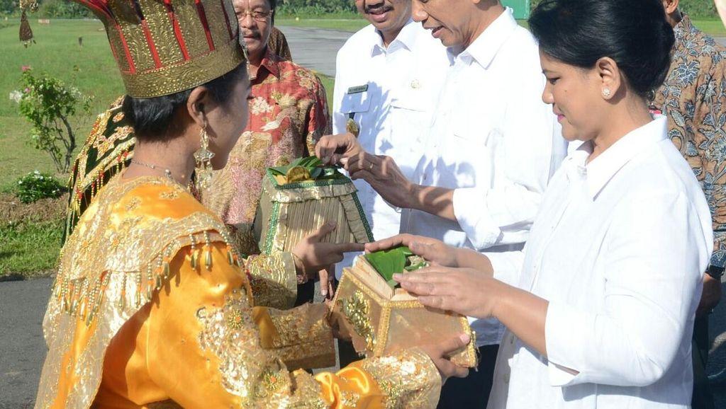 Jokowi Dinilai Punya Banyak PR, Nawacita Belum Terealisasi