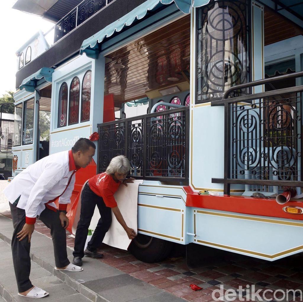 Arak-Arakan Owi/Butet Dimulai dari Cengkareng Berakhir di Senayan