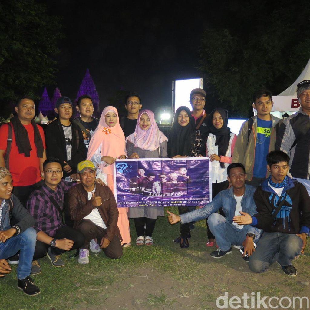 Saat Jikustik Asyik Nonton Prambanan Jazz 2016 Bersama Fans