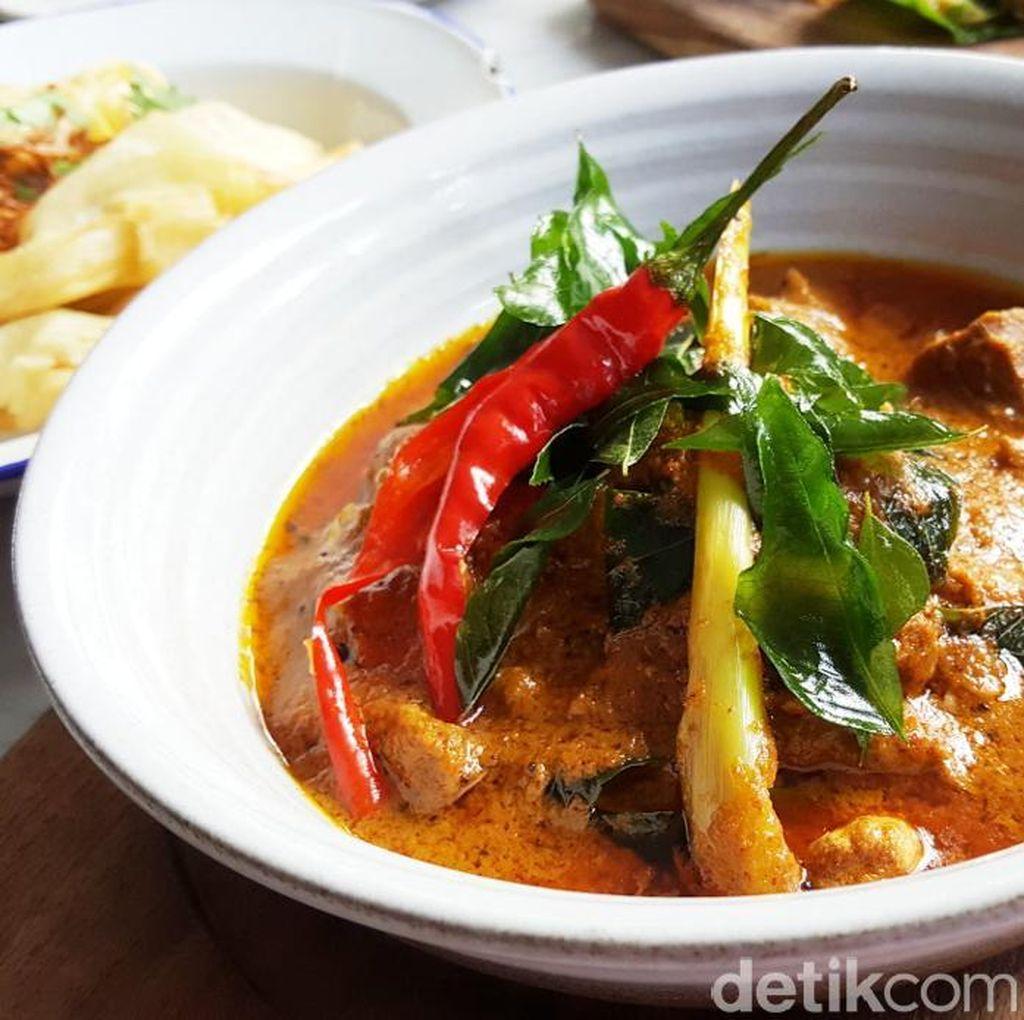 Hujan Locale: Permainan Rasa Rempah Segar dari Sang Street Food Chef