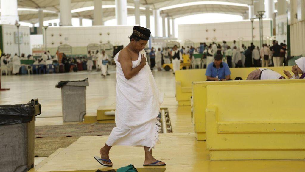 Jemaah Gelombang Kedua Mulai Berdatangan di Bandara Jeddah