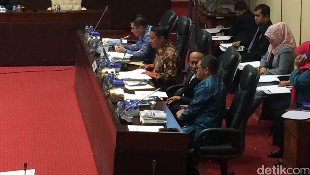 Komisi V DPR Usul Bentuk Panja Angkutan Lebaran 2016