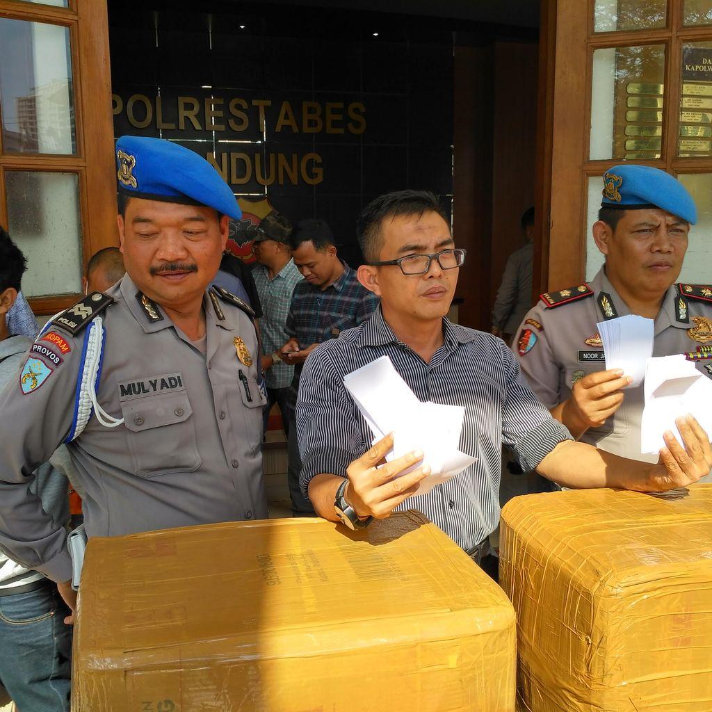 Gandakan Rp 450 Juta ke Dukun, Duit Pengusaha di Bandung Berganti Kertas HVS