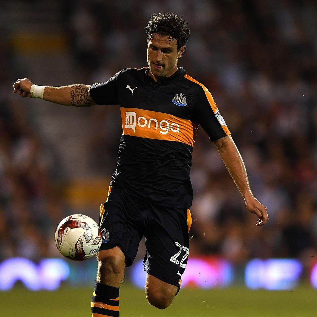 Watford Rekrut Daryl Janmaat dari Newcastle