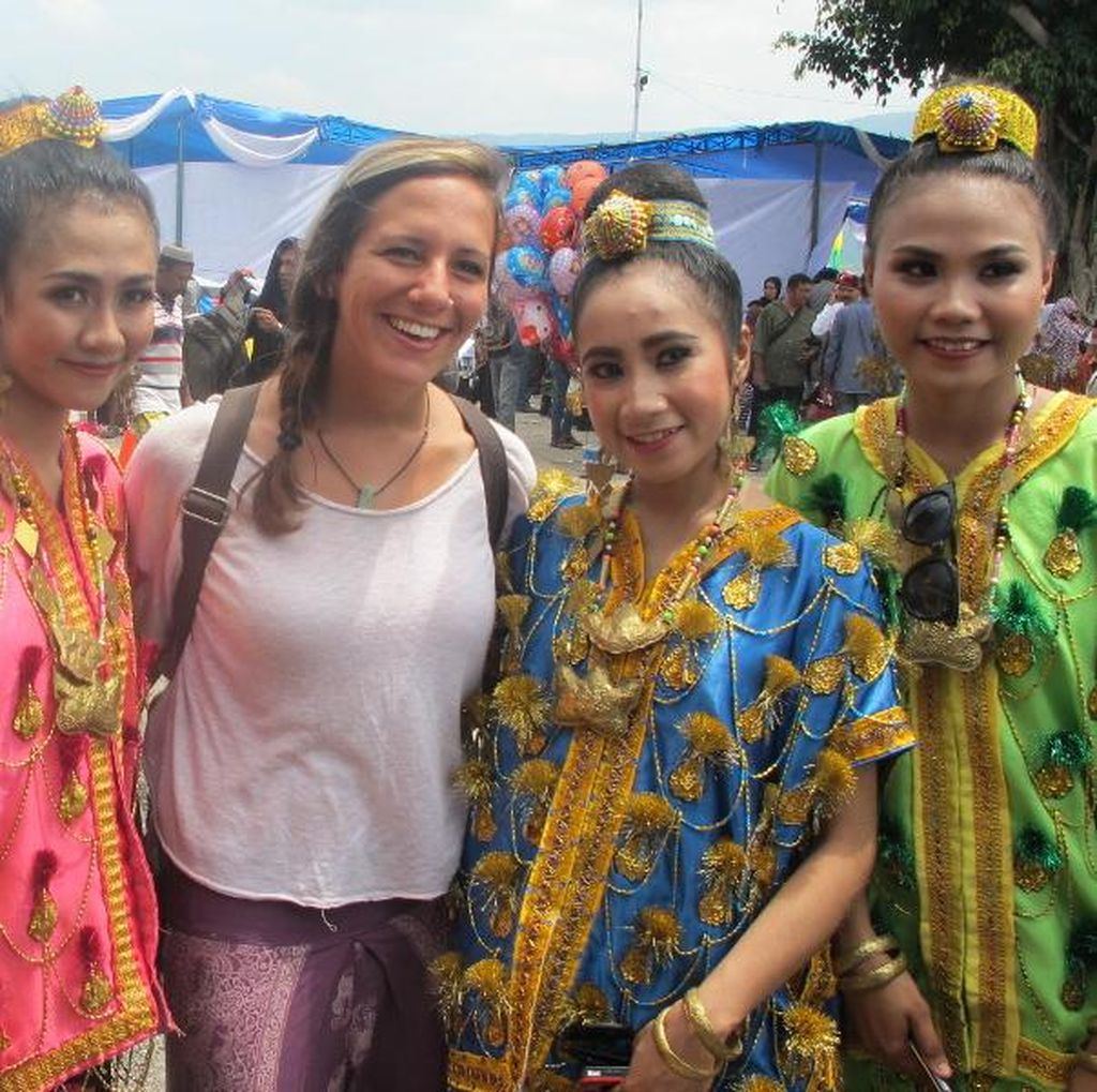 Kenalan dengan Jenny, Bule Cantik yang Cinta Sulawesi