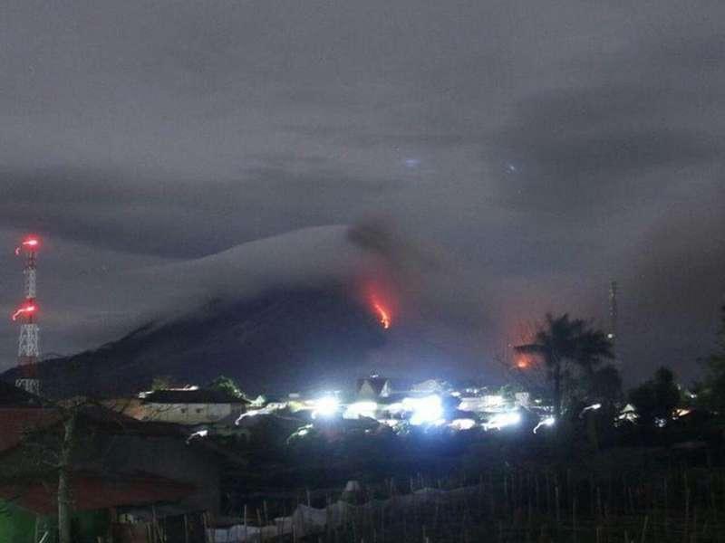 Gunung Sinabung 19 Kali Luncurkan Awan Panas, Status Menjadi Awas
