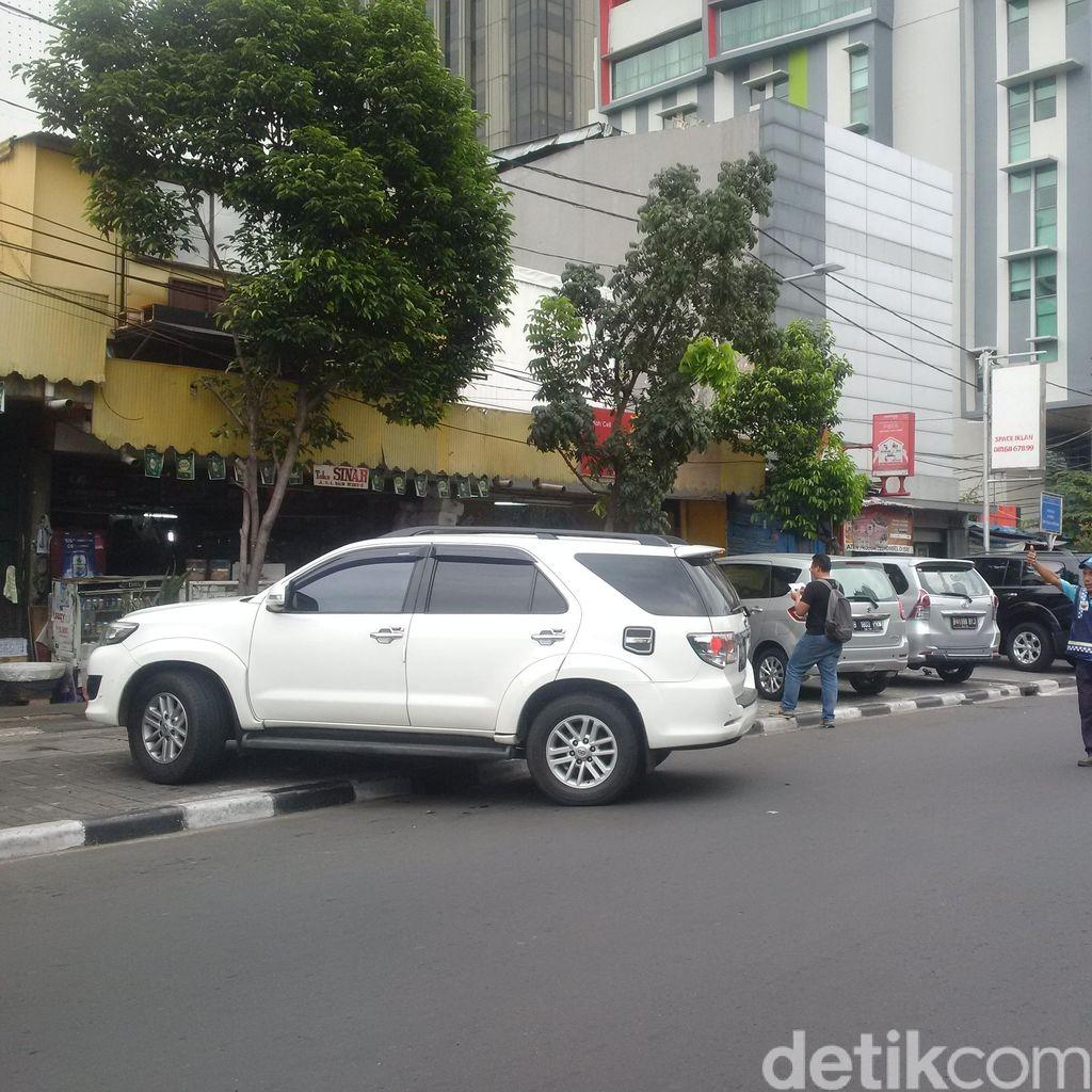 Begini Respons Warga soal Wacana Kenaikan Tarif Parkir di DKI