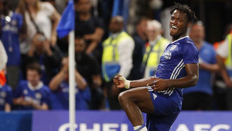 Batshuayi Pasti Dimainkan Chelsea Karena Costa Harus Absen