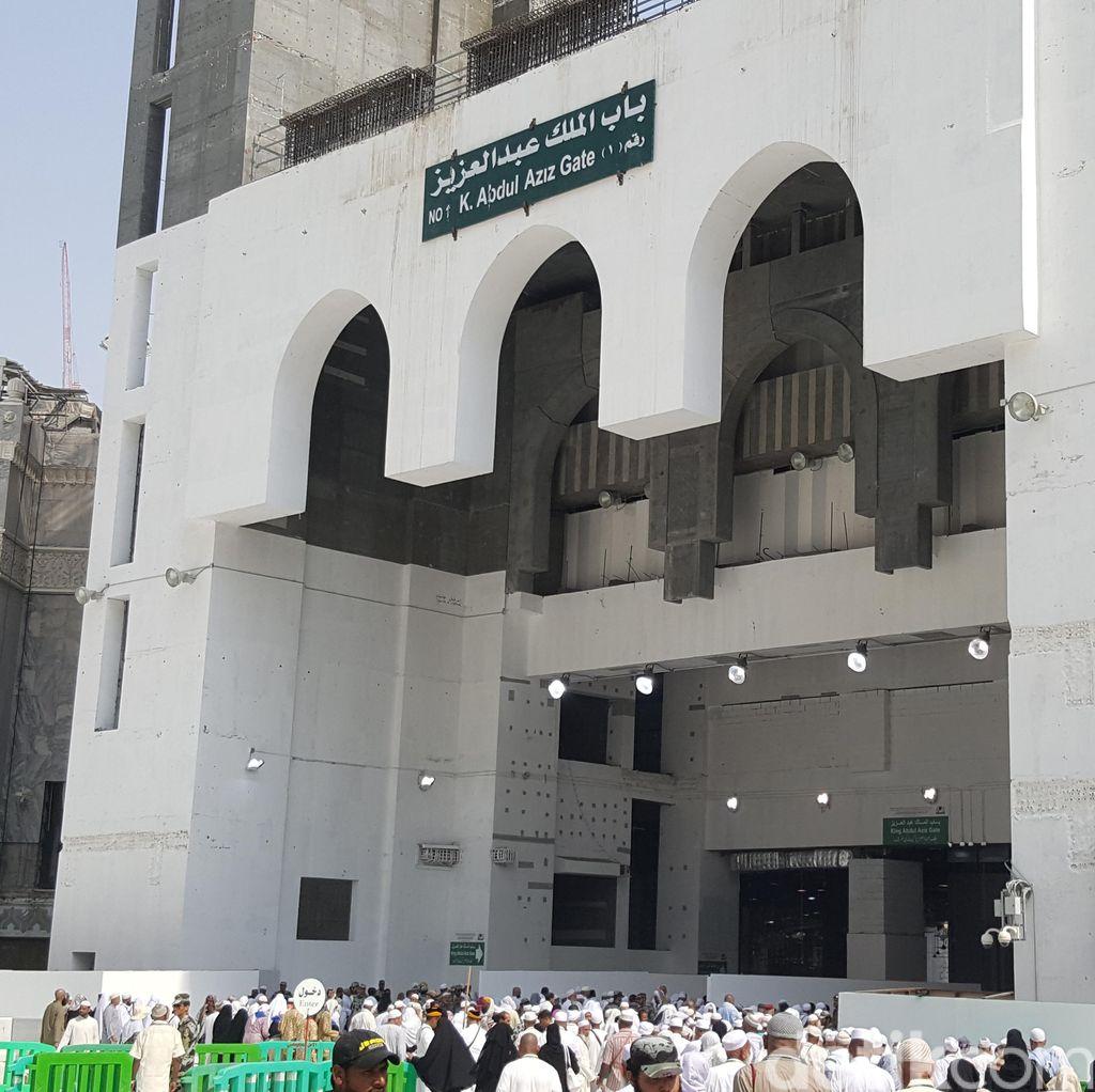 Bab Malik Abdul Aziz, Pintu Utama Kabah Mulai Dibuka