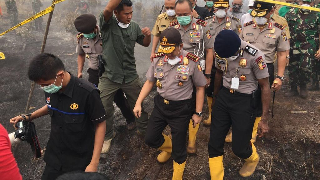 Kapolri Cek Titik Api di Lokasi Karhutla di Wilayah Kampar Riau
