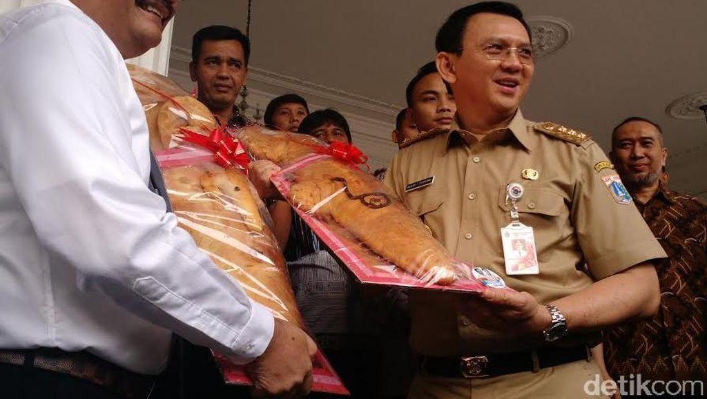 Djarot: Lamaran Roti Buaya untuk Ahok-Djarot Pasti Didengar DPP PDIP