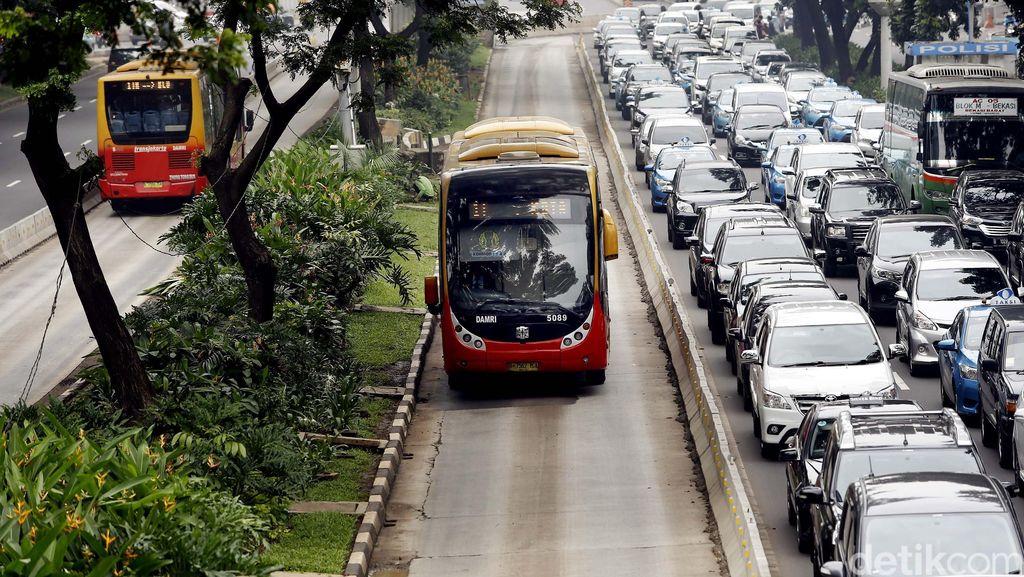 Polisi: Ganjil-Genap Diharapkan Dorong Warga Beralih ke Transportasi Massal
