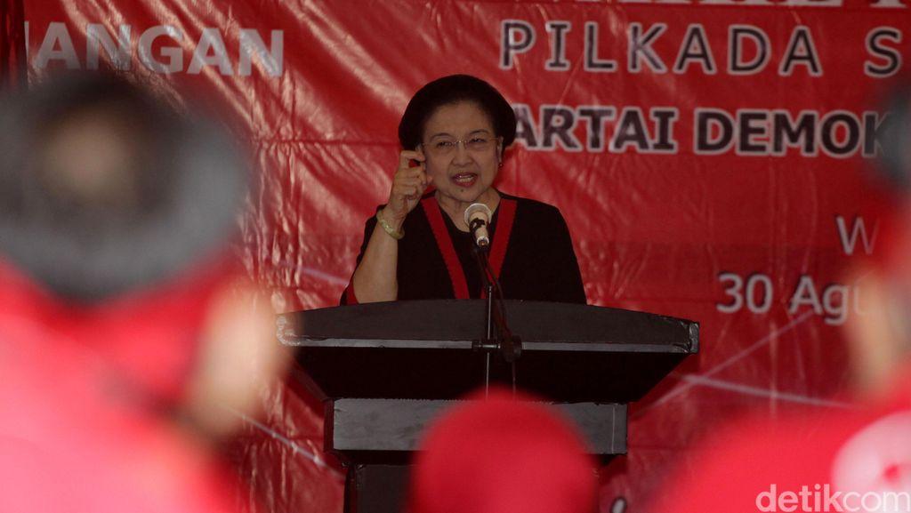 Ini Alasan Megawati Selalu Diam Saat Ditanya Soal Ahok