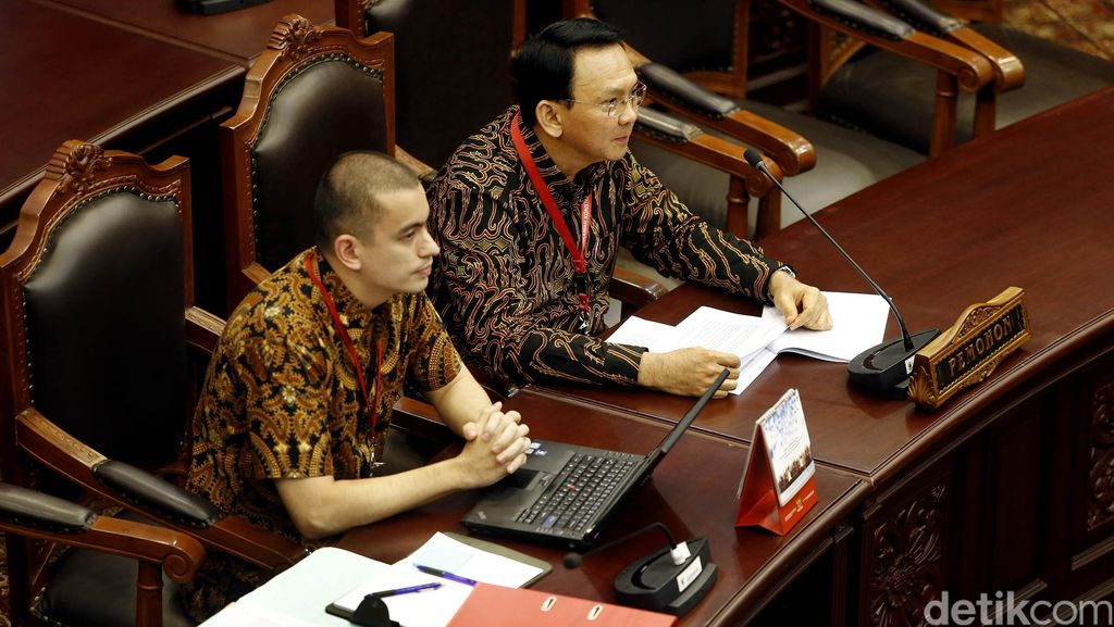 Ahok Bawa 3 Ahli di Sidang Gugatan Cuti Kampanye UU Pilkada