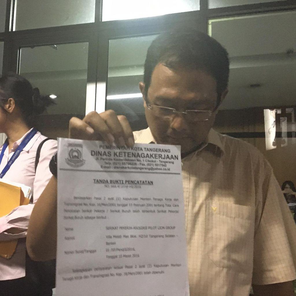Pilot Korban PHK Laporkan Manajemen Lion Air ke Polda Metro