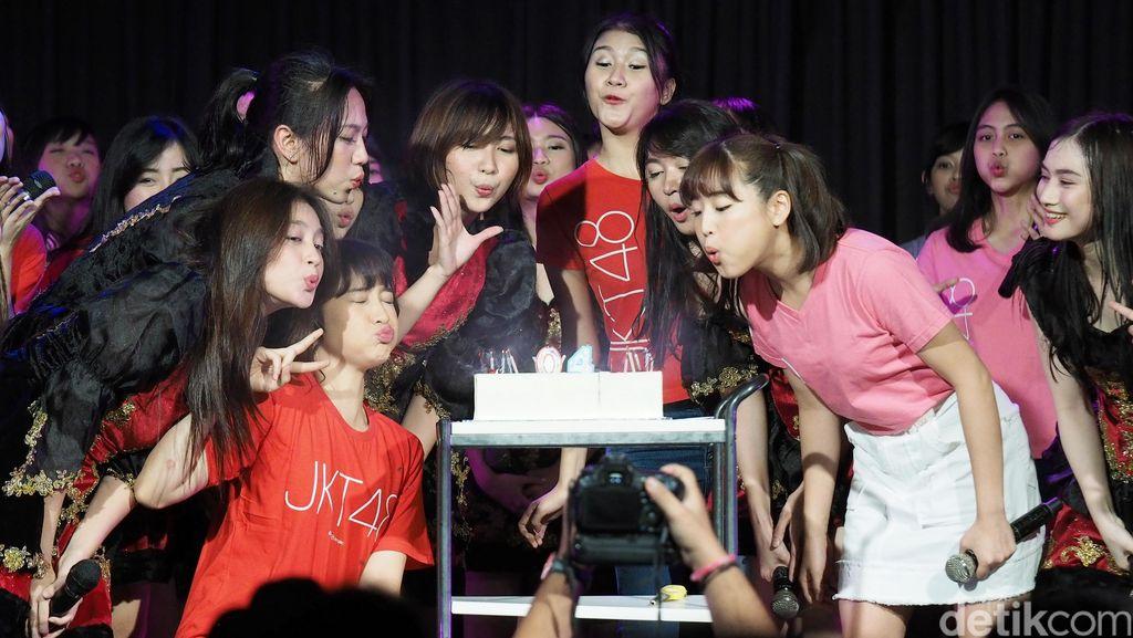 JKT48 Rayakan Ulang Tahun Teater yang ke-4