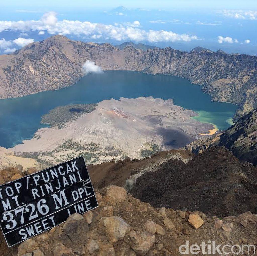 Gunung Rinjani Ditutup untuk Pendakian