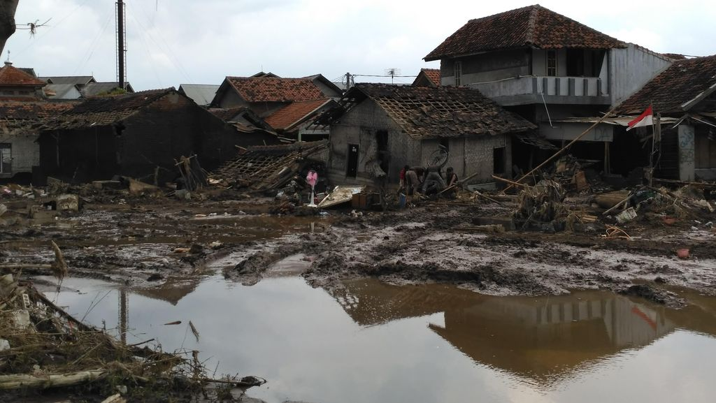 Pasca Banjir Bandang, Warga Garut Mengeluh soal Ketersediaan Air Bersih