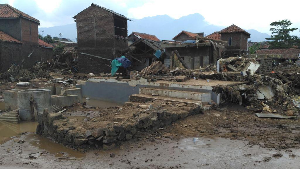 Cari 19 Korban Hilang Banjir Bandang Garut, Tim SAR Fokus di Waduk Jatigede
