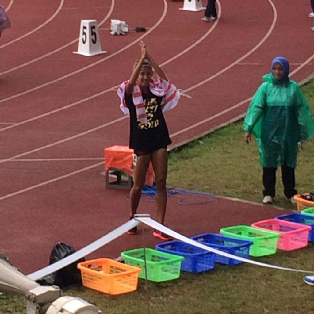 Kemarin Pecahkan Rekornas, Kini Emilia Kalahkan Dedeh di 100 M Lari Gawang
