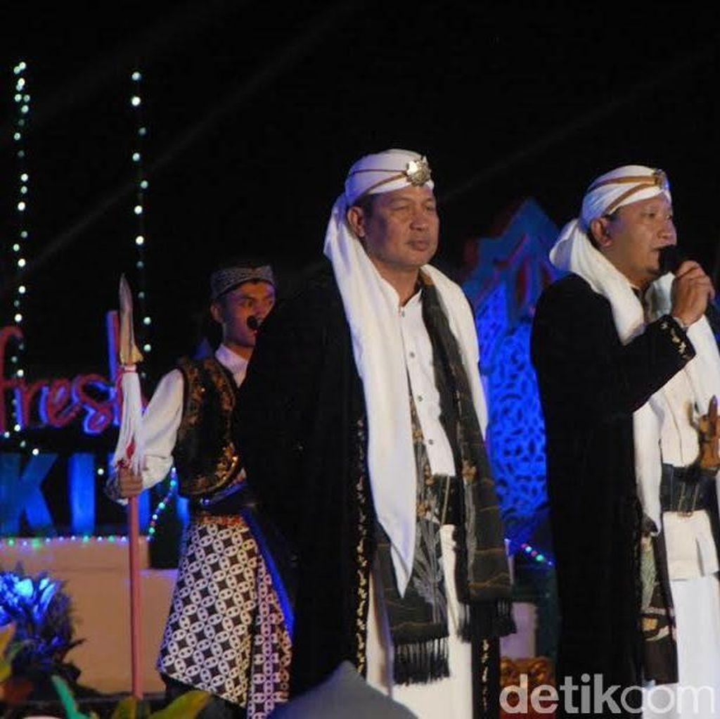 Makna Filosofi Busana Isyana Khas Kabupaten Pasuruan