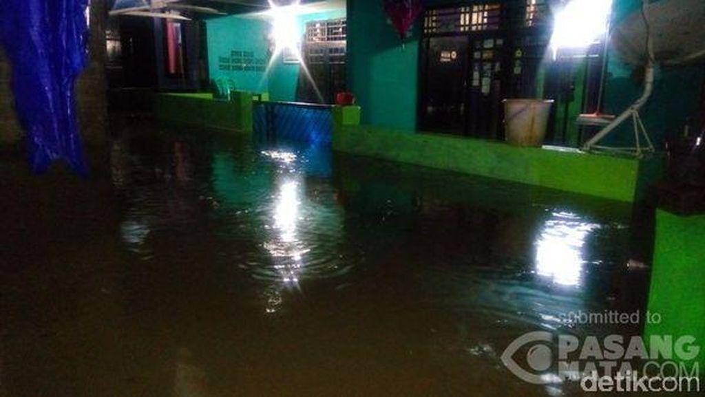 Hujan Lebat, Banjir Setinggi 60 Cm di Pejaten Barat Jakarta Selatan