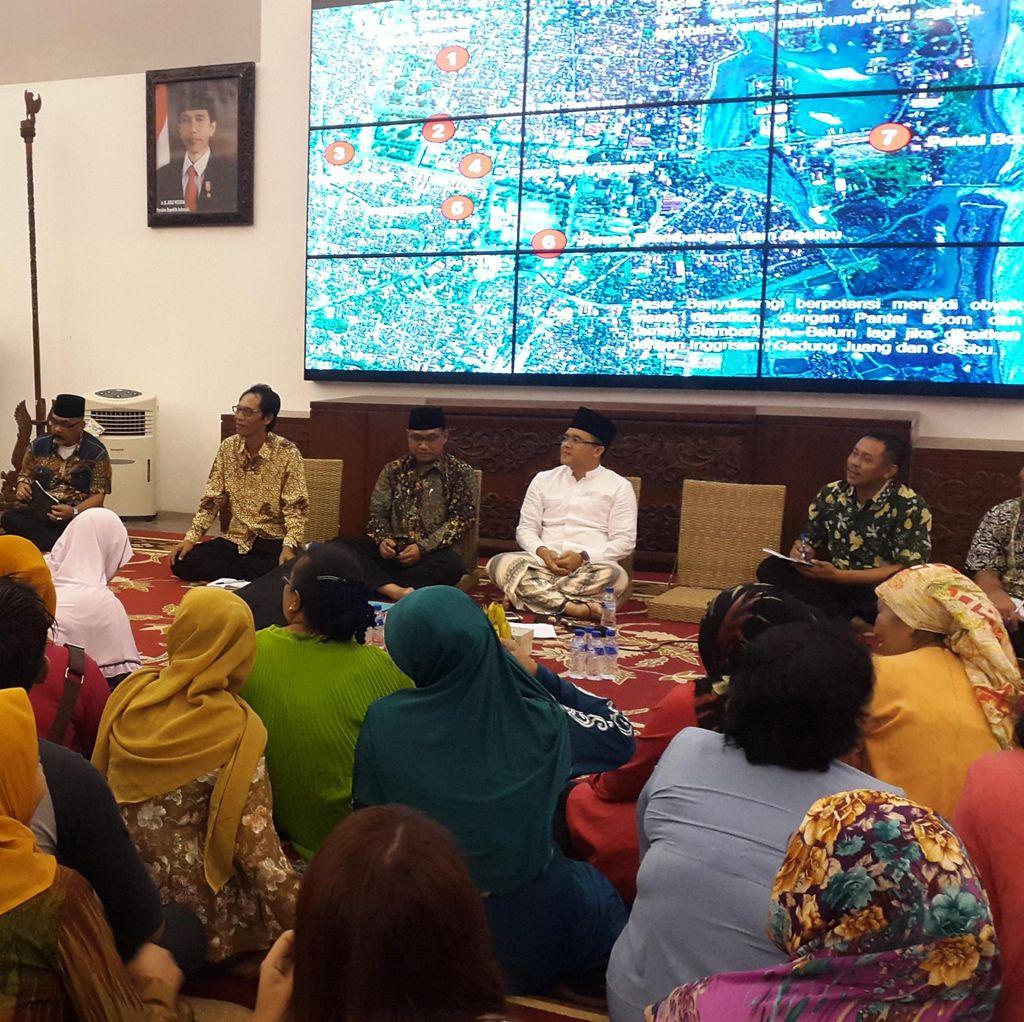 Bupati Anas Dinasihati Pedagang: Hari Baik Bangun Pasar itu Senin Pahing Pak
