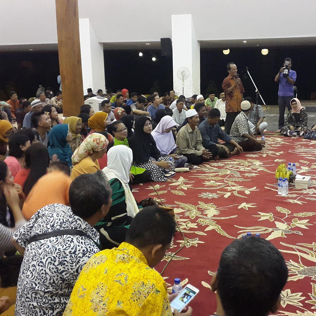 Bupati Anas Ajak Bicara Ratusan Pedagang Bahas Pembangunan Pasar Blambangan