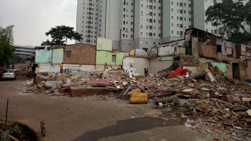 Satpol PP DKI Bongkar Rumah Warga di Bukit Duri Pagi ini