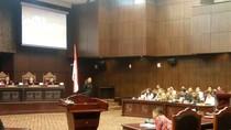 Hakim MK ke Ahli: Tax Amnesty untuk Bawa Pulang Uang di Luar Negeri