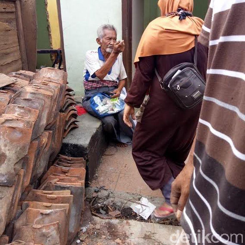 Yang Tersisa dari Bukit Duri: Kakek Hanafi Menolak ke Rawa Bebek