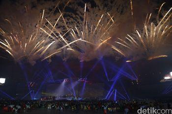 Pesta Kembang Api Tutup PON XIX