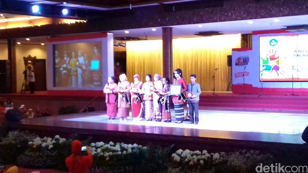 Iriana Jokowi Ingin Kesejahteraan Guru PAUD Diperhatikan