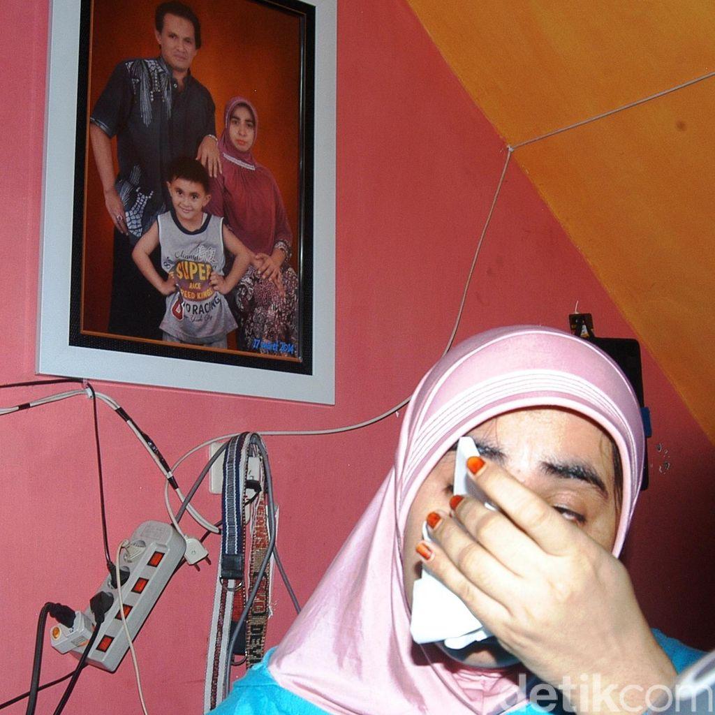 Istri Nangis Kenang Ismail Hilang sebelum Laporkan Dimas Kanjeng ke Polisi