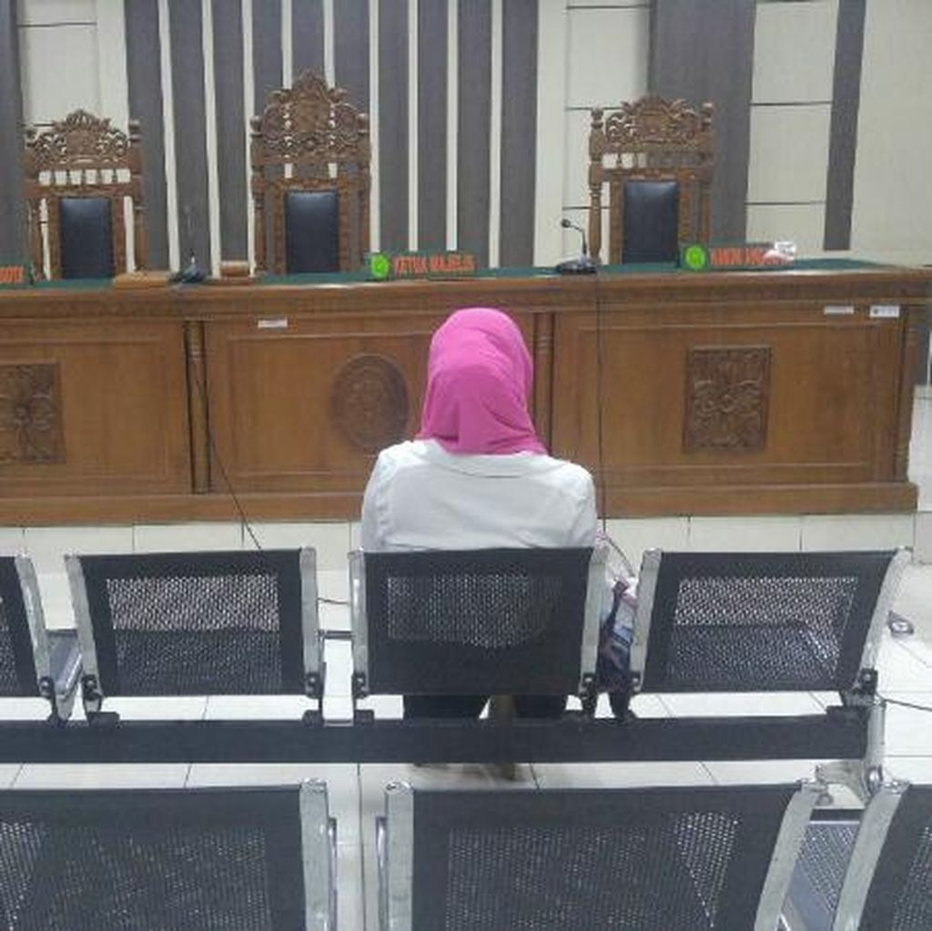 Terdakwa Kasus Hilangnya Kasda Kota Semarang Terpaku Dituntut Bui 13,6 Tahun