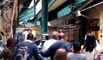 Kereta Tabrak Stasiun di New Jersey