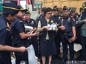Sri Mulyani Musnahkan 11 Juta Batang Rokok Ilegal