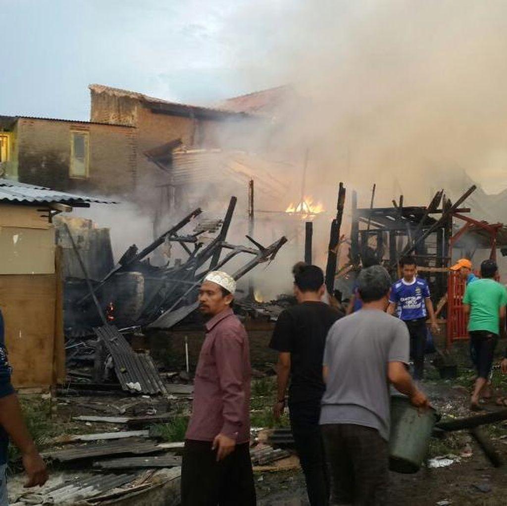 Seorang Pria di Bandung Nekat Bunuh Diri dengan Bakar Rumahnya Sendiri