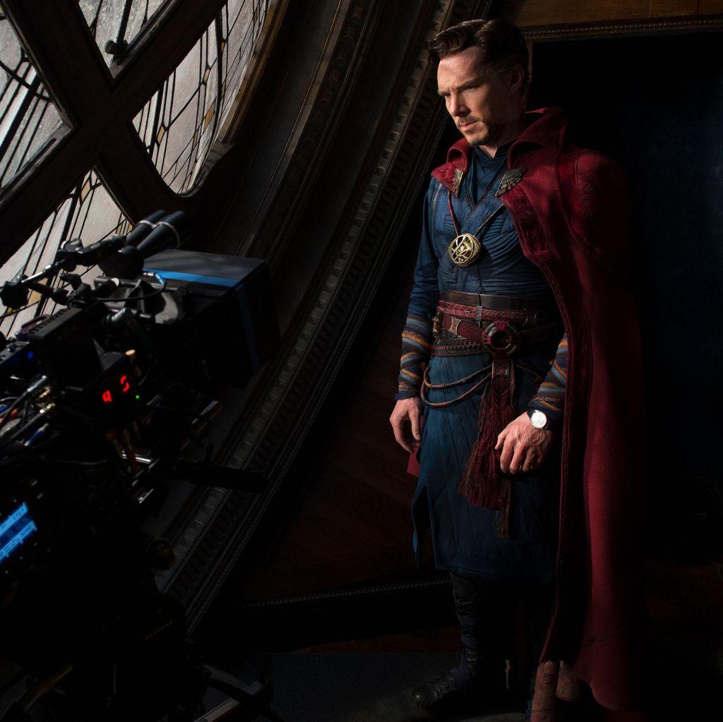 Perankan Doctor Strange, Benedict Cumberbatch Dibuatkan 20 Kostum