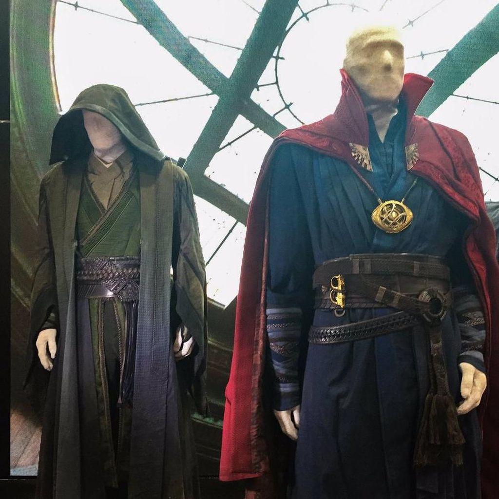 Lebih Detail Soal Kostum Film Superhero Doctor Strange